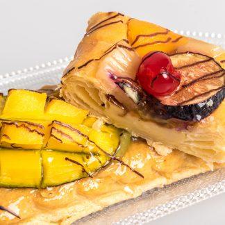 Banda de hojaldre con frutas de temporada sin gluten y sin lactosa