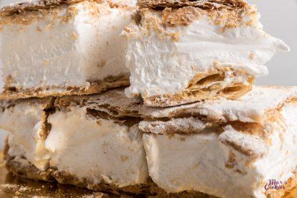 Milhojas relleno de nata